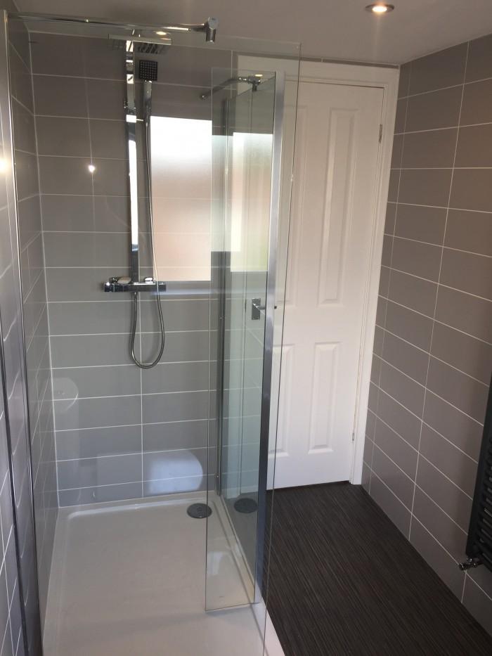utiliselofts shower room